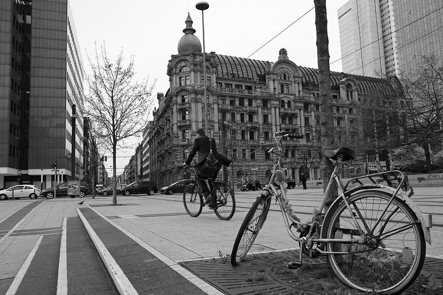Frankfurts Square Photograph