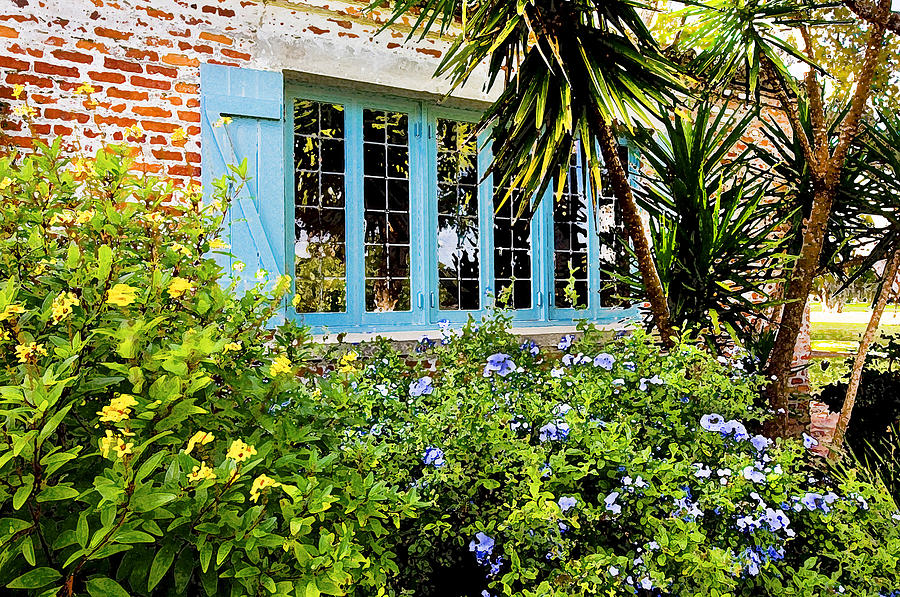 Casa De Feliz Photograph - Garden Window Db by Rich Franco