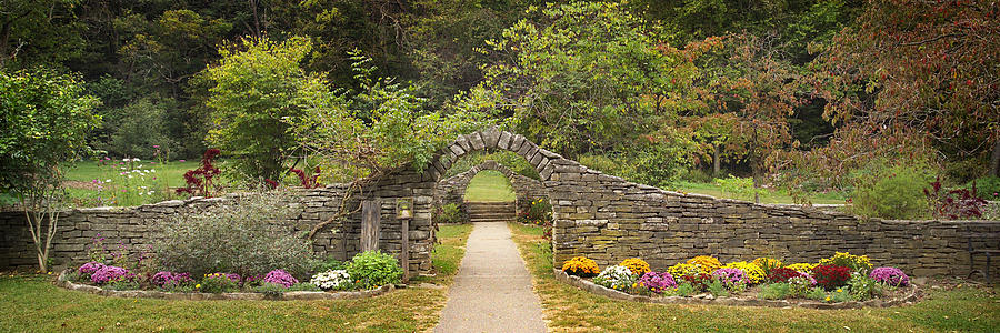 Indiana Landscapes Photograph - Gateway To The Garden by Wendell Thompson