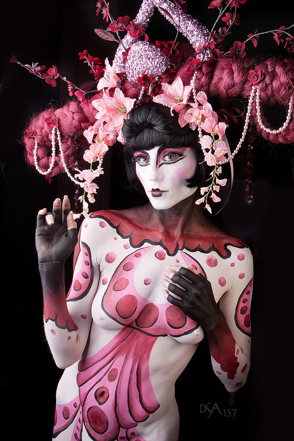 Geisha I Photograph