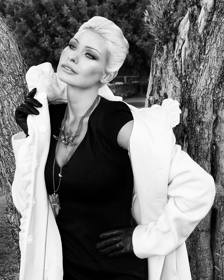 Blonde Photograph - Glamour Bw Palm Springs by William Dey