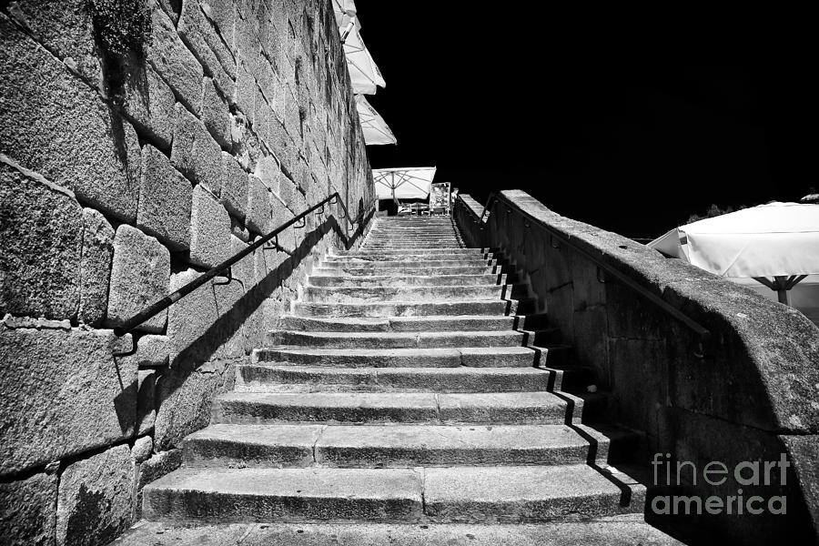 Going Up In Porto Photograph