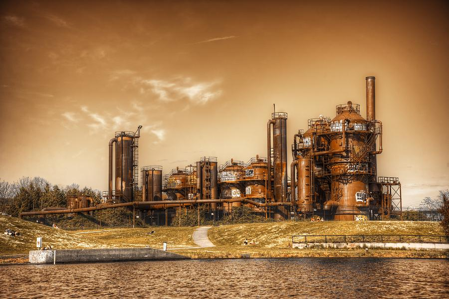 Seattle Photograph - Golden Gas Works by Spencer McDonald