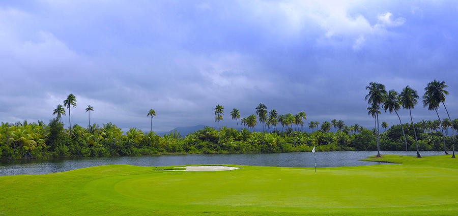 Golf Photograph - Golfers Paradise by Stephen Anderson