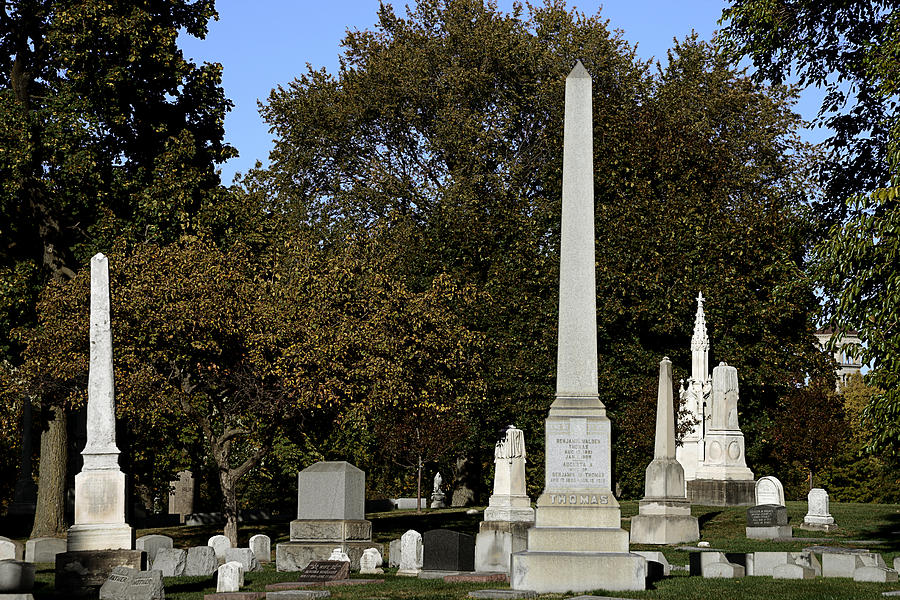 Graceland Chicago - The Cemetery Of Architects Photograph