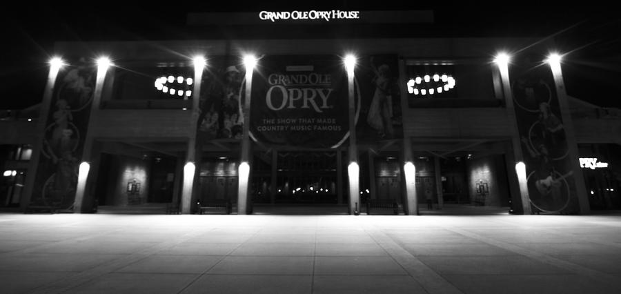 Grand Ole Opry House Photograph - Grand Ole Opry At Night by Dan Sproul