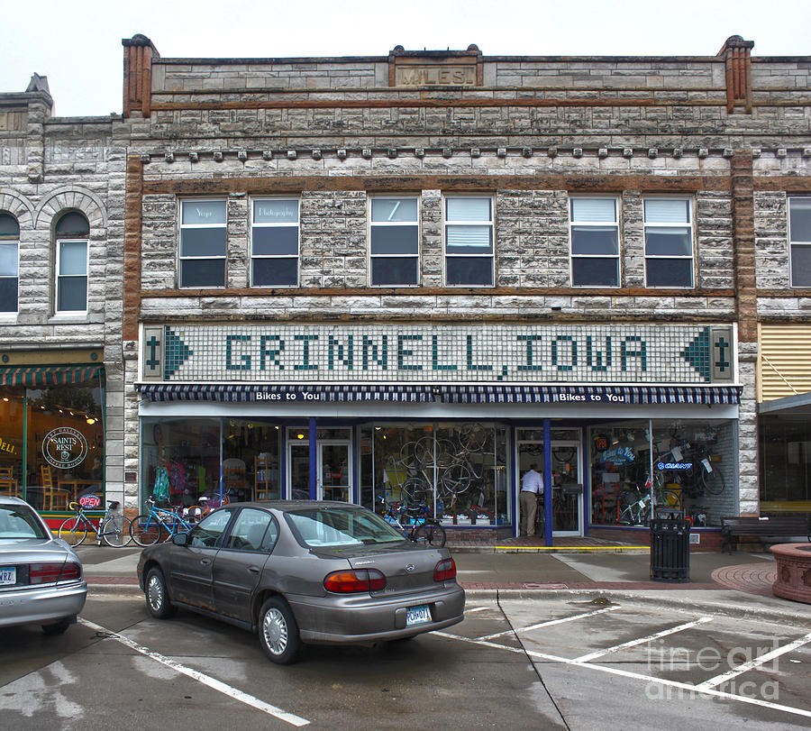 Grinnell Iowa Photograph - Grinnell Iowa - Downtown - 06 by Gregory Dyer