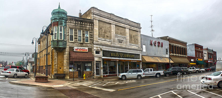Grinnell Iowa - Downtown - 01 Photograph