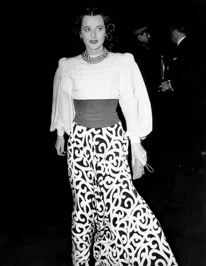 Hedy Lamarr, At The Premiere Of They Photograph