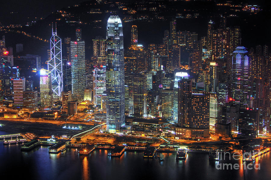 Study: White people react to evidence of white privilege by claiming greater personal hardships Hong-kongs-skyline-at-night-lars-ruecker