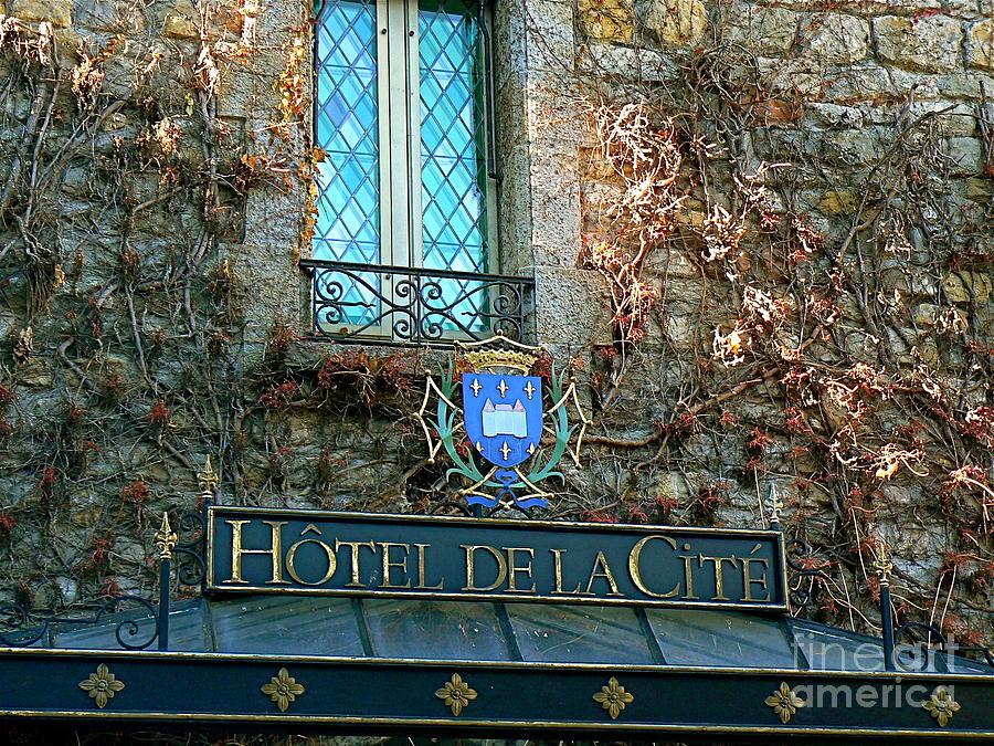 Hotel De La Cite Photograph