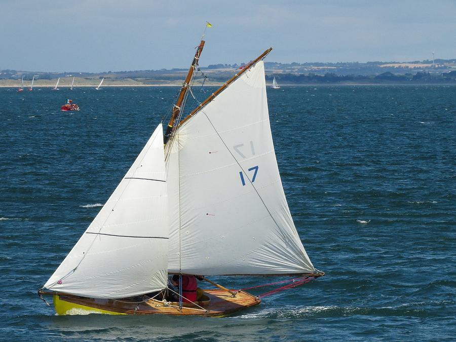 howth-17-sail-17-nicola-dunphy-.jpg