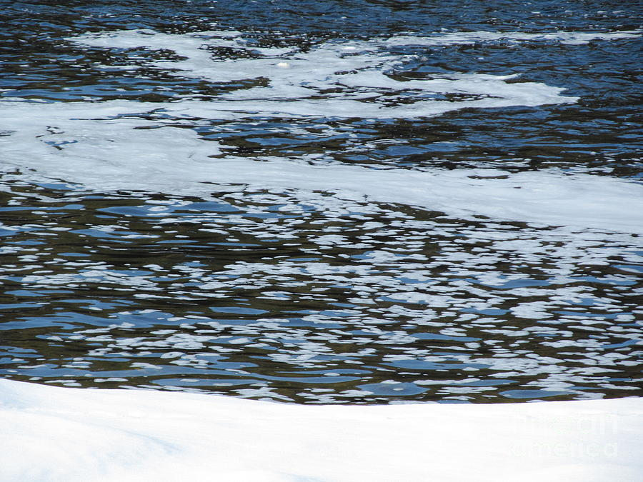 Ice-flows-winter Photograph
