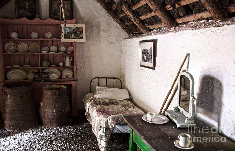 Inside An Old Thatched Cottage Photograph By Ricardmn