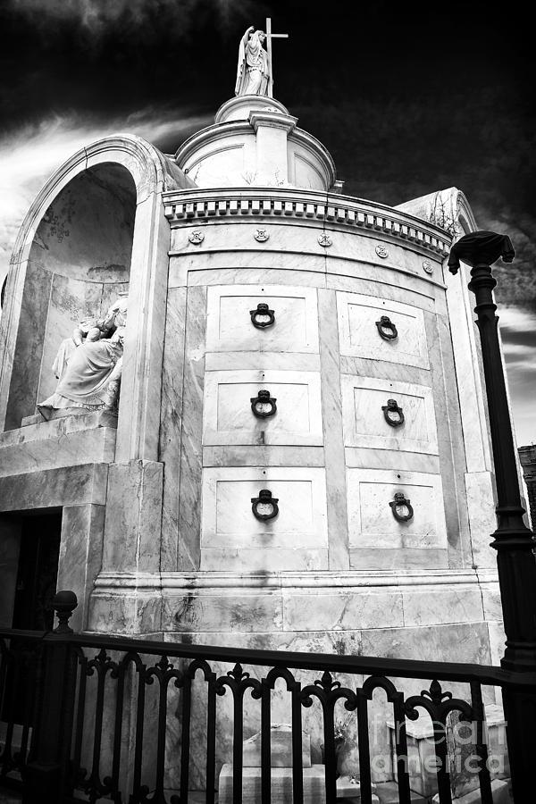 Italia Society Photograph