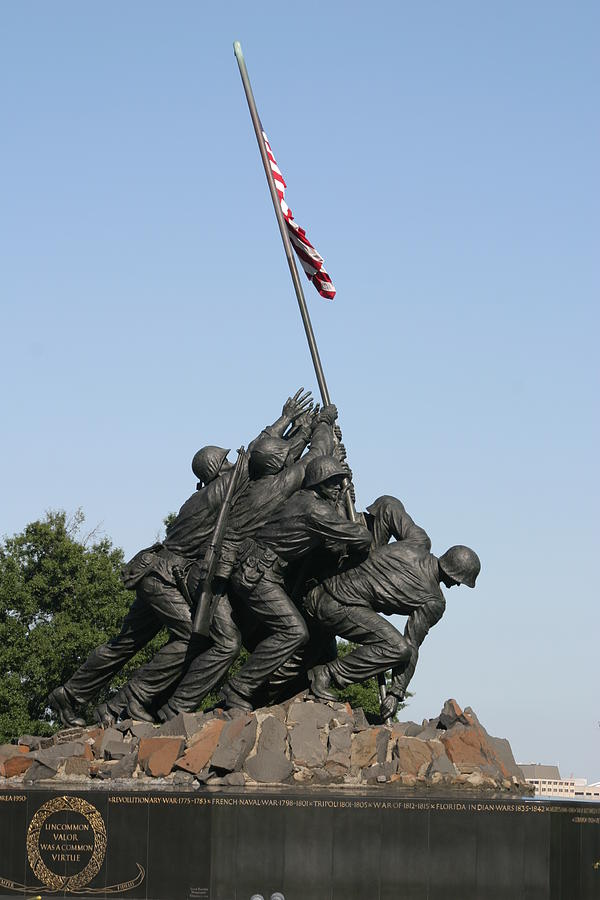 Iwo Photograph - Iwo Jima Memorial - 12121 by DC Photographer