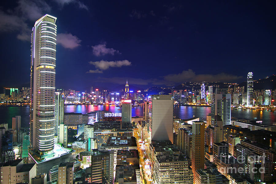Hong Kong Photograph - K11 In Tsim Sha Tsui In Hong Kong At Night by Lars Ruecker
