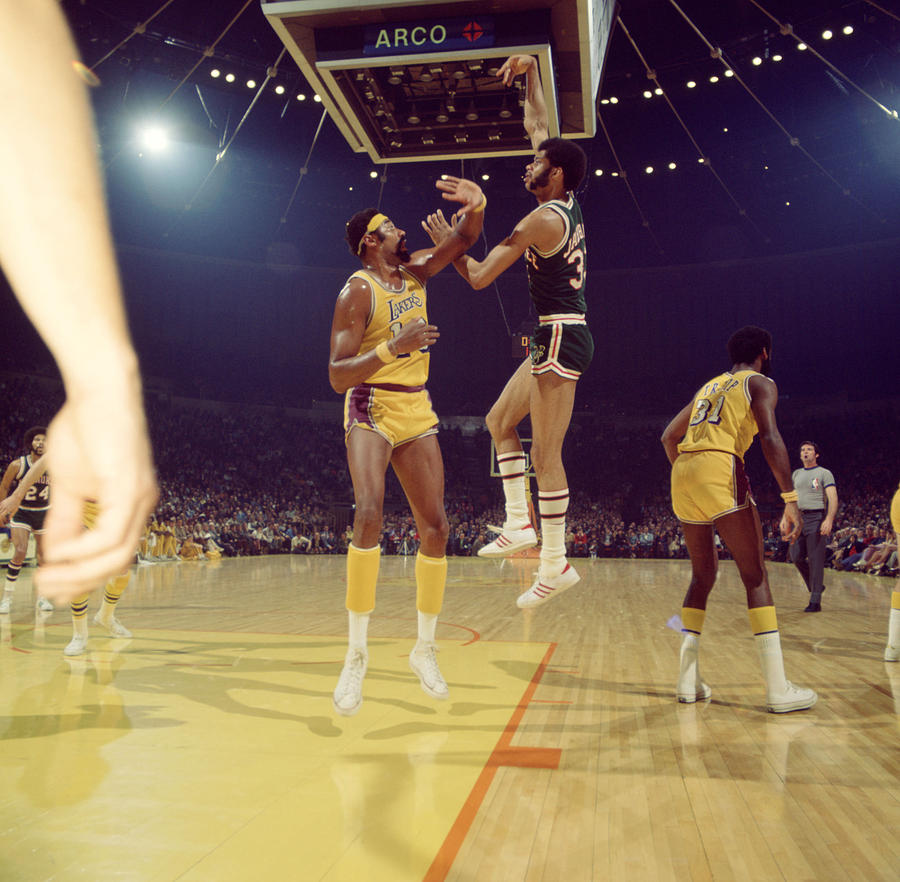 Marvin Newman Photograph - Kareem Abdul Jabbar  by Retro Images Archive