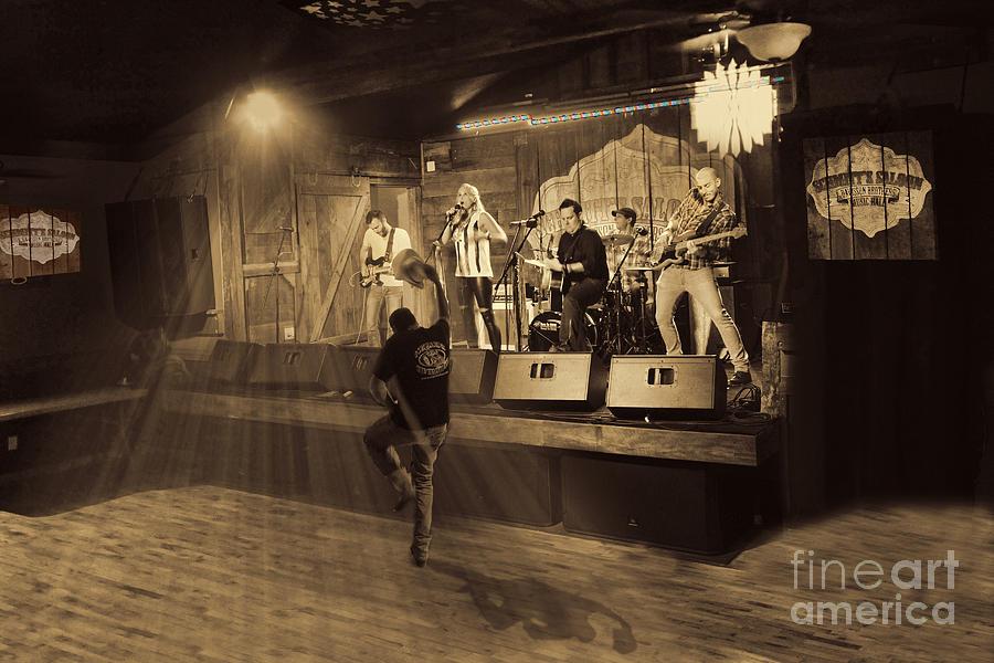 Keri Leigh Singing At Schmitts Saloon Photograph