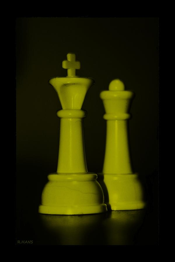 Queen Photograph - King And Queen In Yellow by Rob Hans