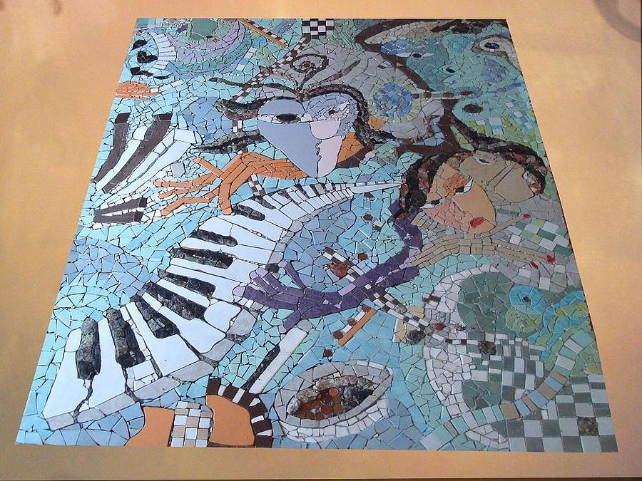 La Pianist Ceramic Art
