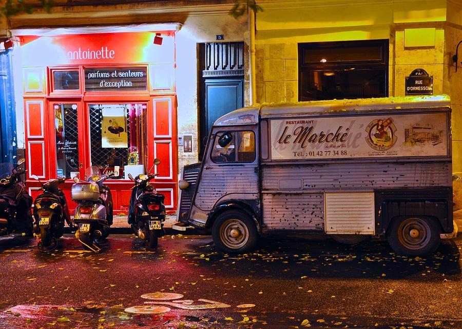 Paris Street Scene Photograph - Le Marche Van by Matt MacMillan
