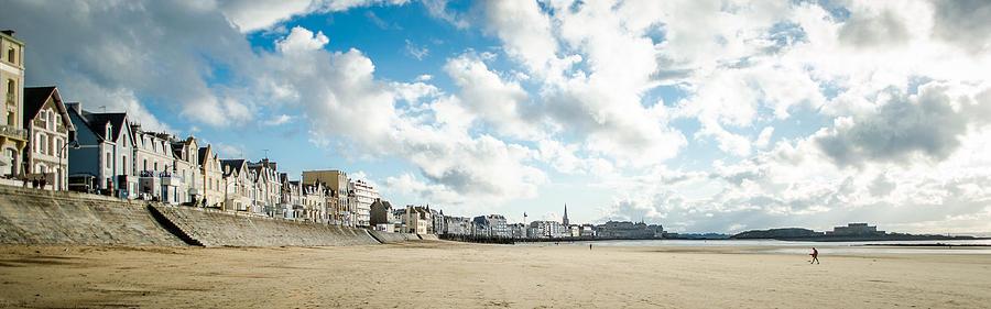 Saint Malo Photograph - Le Sillon by Stefan Hoareau