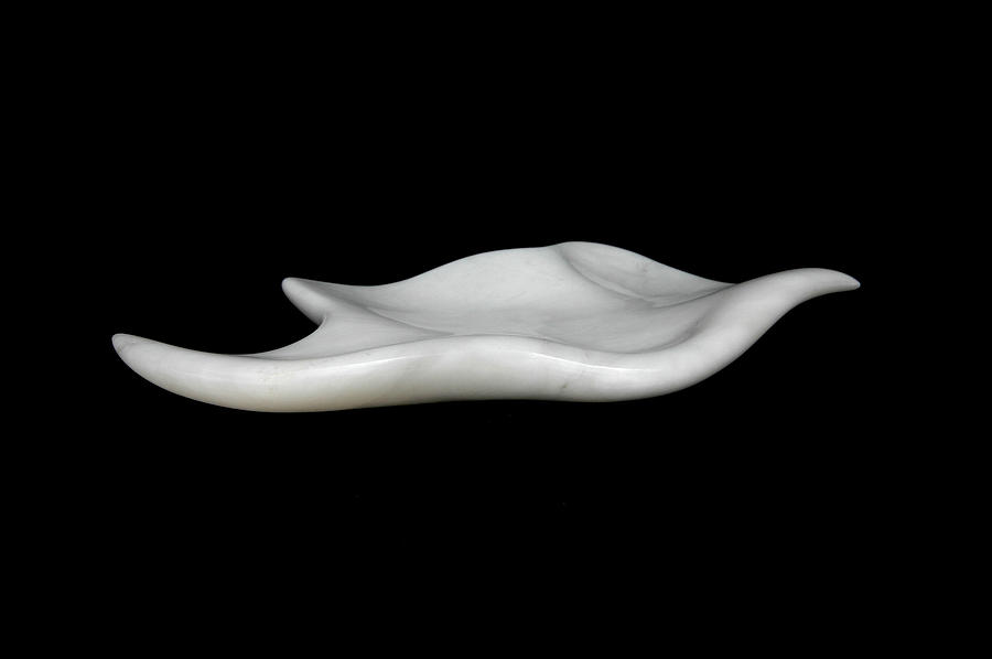 Alabaster Sculptures Sculpture - Leaf by Francesca Bianconi