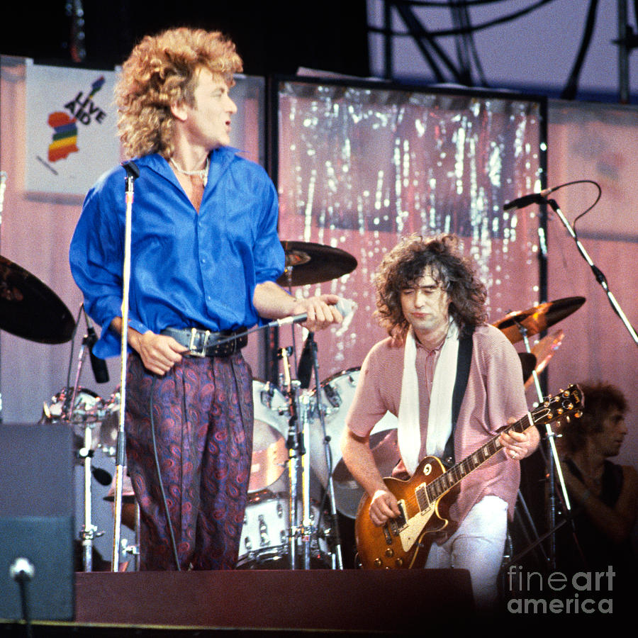 Led Zeppelin - Live At The Los Angeles Forum 9-4-70
