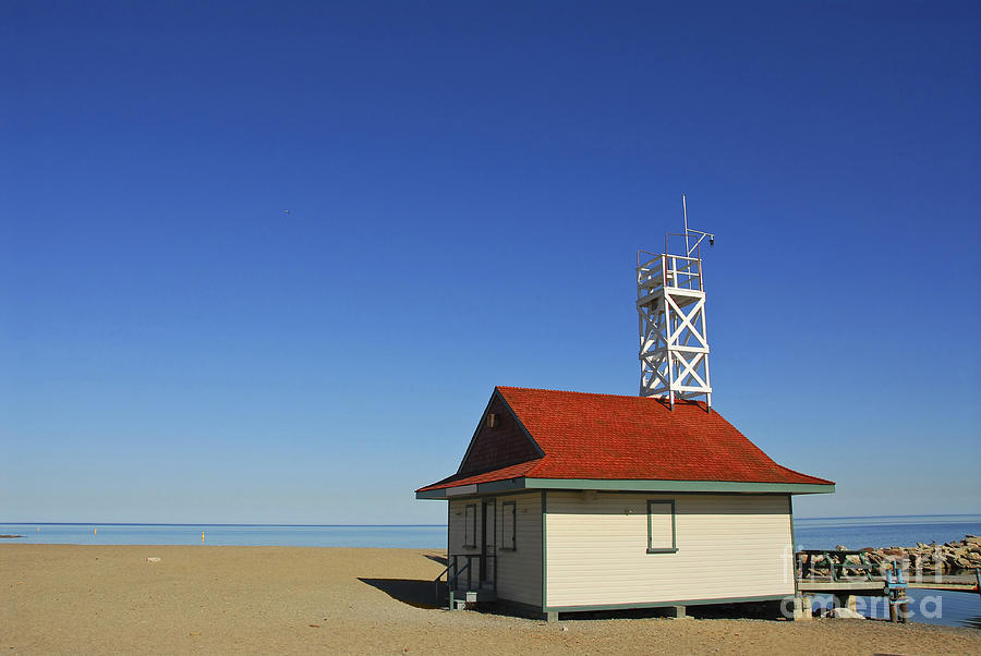 Leuty Lifeguard Station In Toronto Photograph
