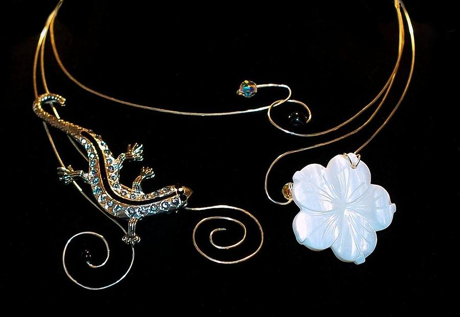 Lizard And Flower Neck Wear Jewelry