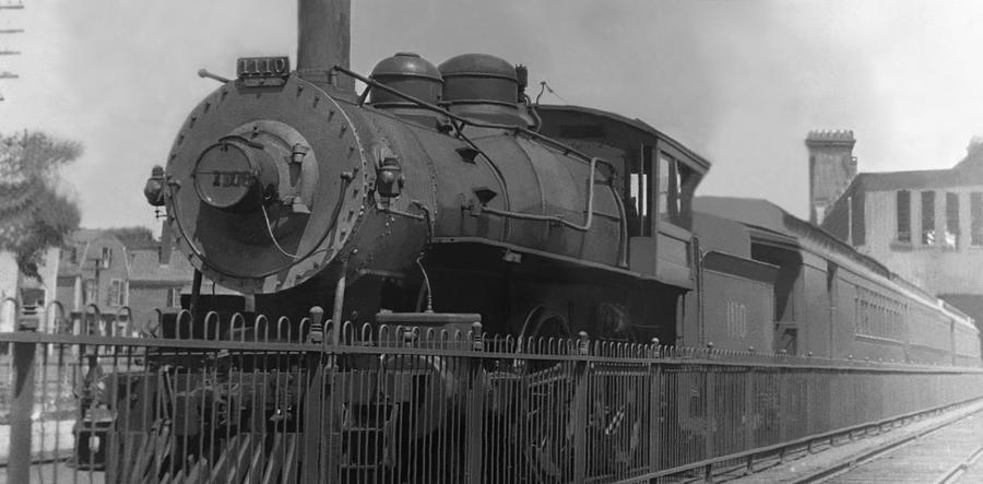 Locomotive Photograph - Locomotive 1110 by Henri Bersoux