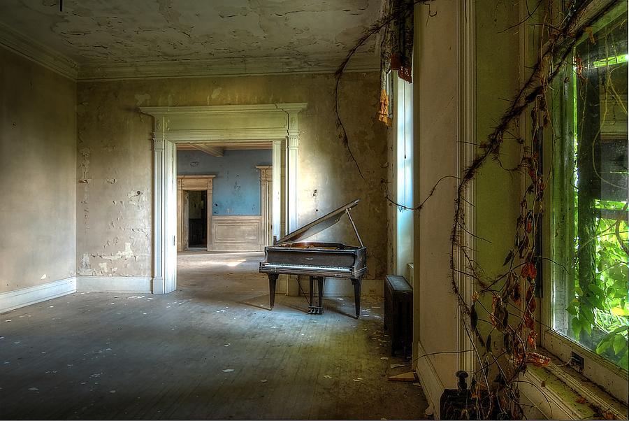 Lone Piano Photograph