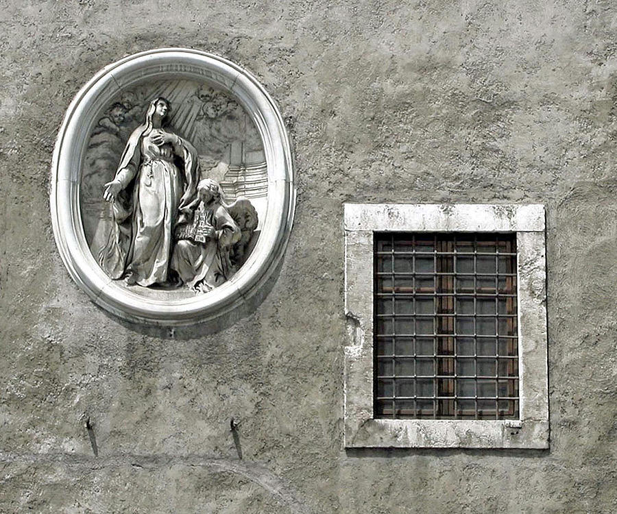 Madonna Of The Wall Photograph