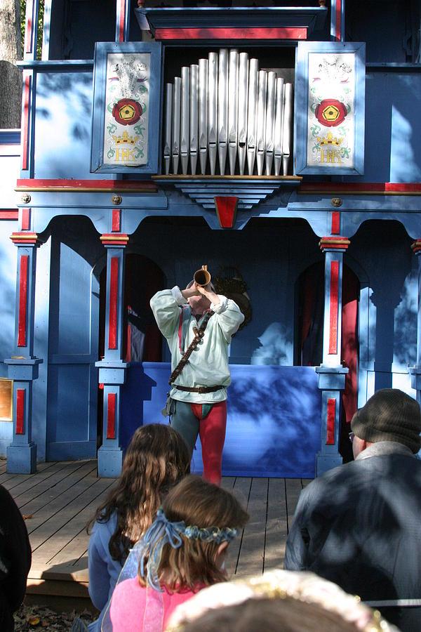 Maryland Renaissance Festival - A Fool Named O - 12124 Photograph