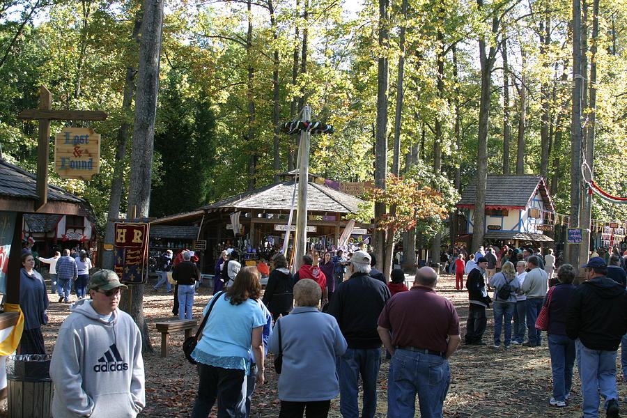 Maryland Renaissance Festival - People - 12121 Photograph