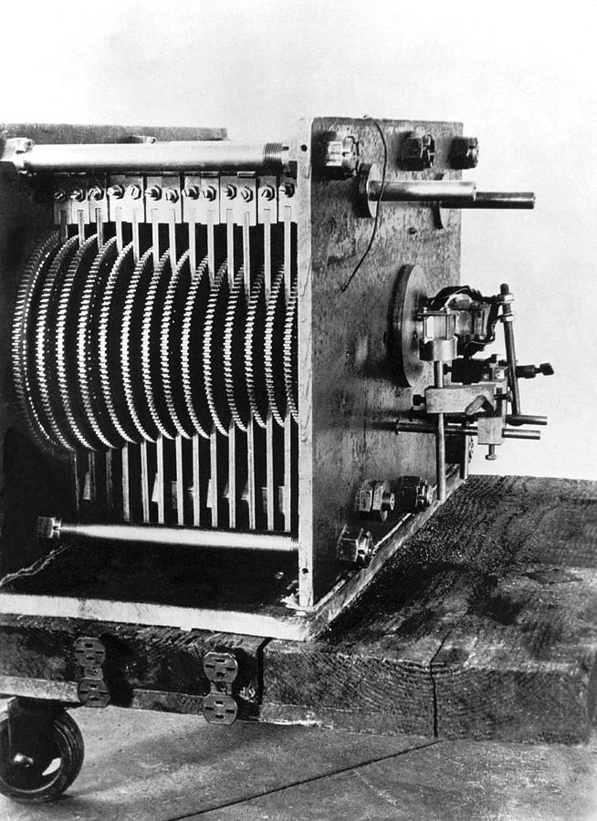 1930's Photograph - Mechanical Gear Number Sieve by Underwood Archives