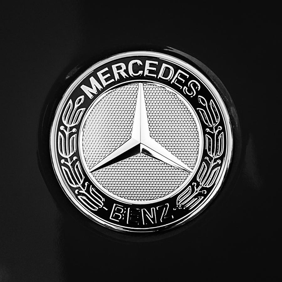 Image gallery mercedes benz emblem for Mercedes benz trunk emblem