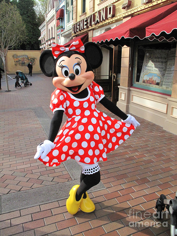 Minnie Mouse Disneyland Photograph - Minnie Mouse Disneyland by ...