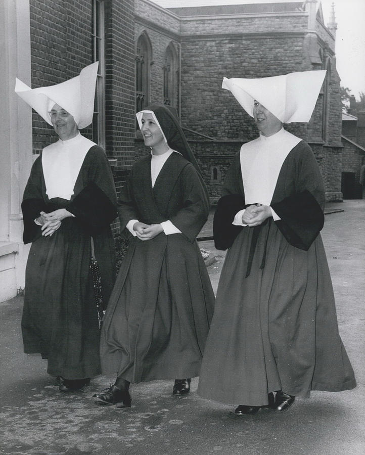 Different styles of nuns habits modern style habits for 45 000 nuns