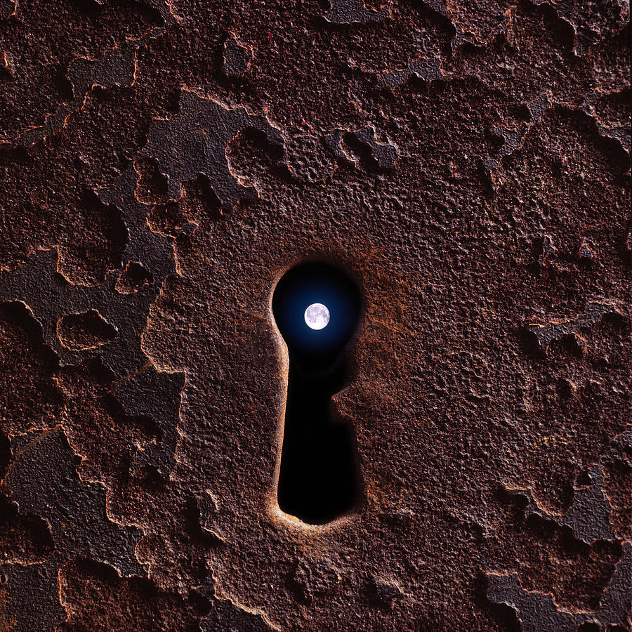 Moon Keyhole Barri Gotic Photograph