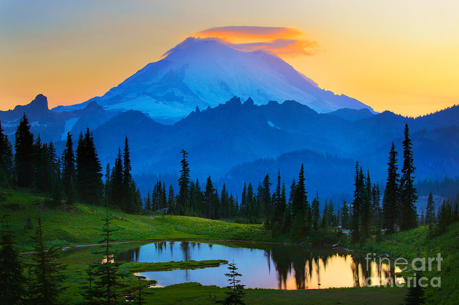 Mount Rainier Goodnight Photograph