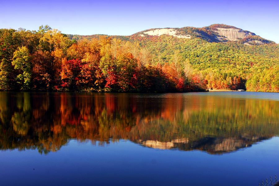 Best Places To See Fall Colors And Smash Huge Autumn Bass