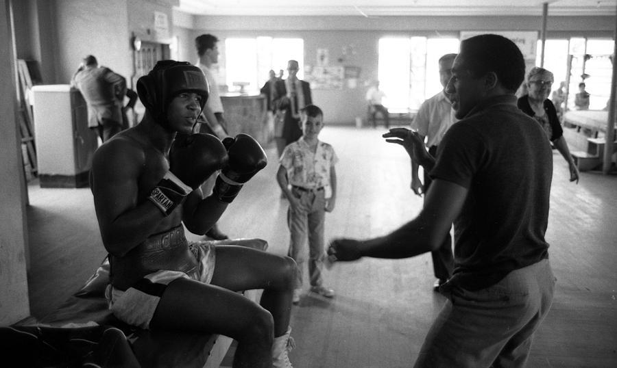Muhammad Ali Guards Up Photograph