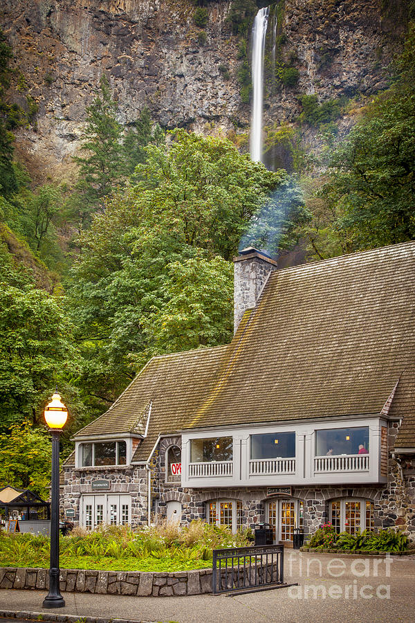 Multnomah falls lodge photograph by brian jannsen