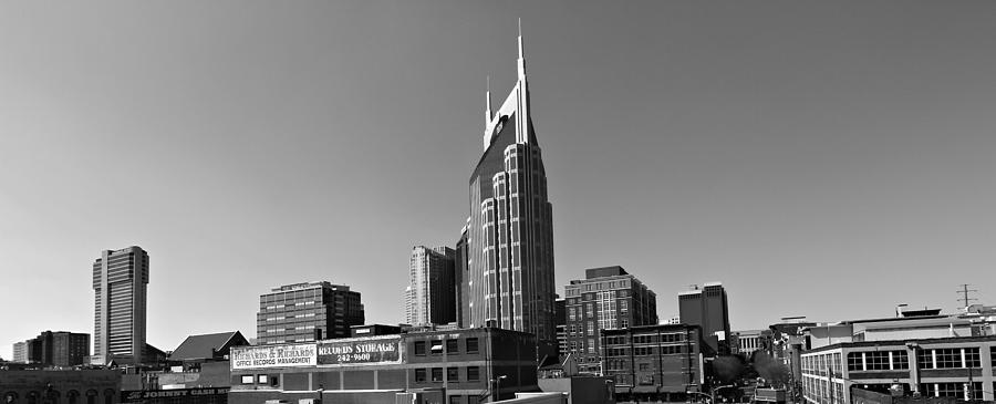 Nashville Tennessee Skyline Black And White Photograph - Nashville Tennessee Skyline Black And White by Dan Sproul