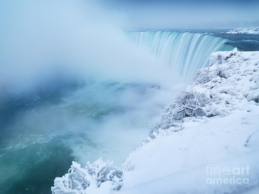 Niagara Falls In Winter Photograph