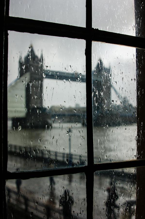 Georgia Mizuleva Photograph - Oh So London by Georgia Mizuleva