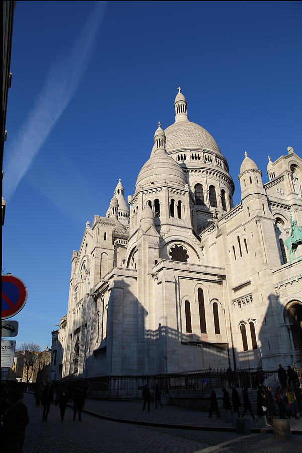 Outside The Basilica Of The Sacred Heart Of Paris - Sacre Coeur - Paris France - 01133 Photograph  - Outside The Basilica Of The Sacred Heart Of Paris - Sacre Coeur - Paris France - 01133 Fine Art Print