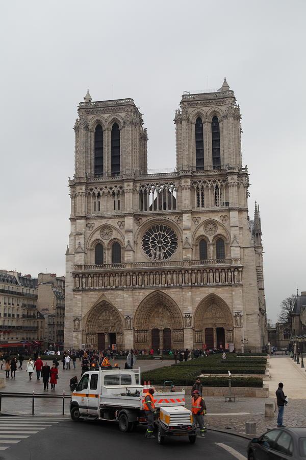 Paris France - Notre Dame De Paris - 011312 Photograph